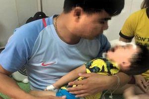 Bé 2 tuổi ở Nghệ An bị chó becgie nhà nuôi cắn rách mặt