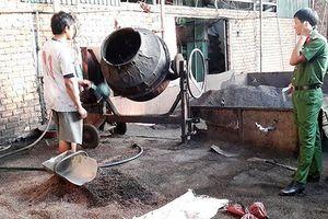 Đắk Nông: Khởi tố 5 bị can vụ trộn pin con ó vào hạt tiêu để bán kiếm lời