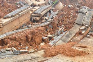 Nhiều tuyến đường cửa khẩu Bờ Y hư hỏng nặng:Do ảnh hưởng của mưa bão?
