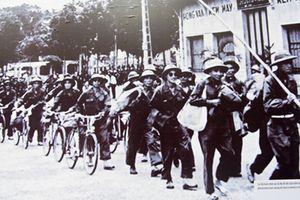 Những hình ảnh hiếm về ngày bộ đội ta tiếp quản Thủ đô 64 năm trước