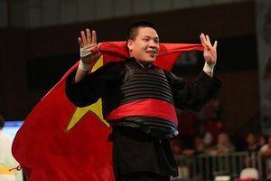 Võ sĩ Trí 'lì' và cuộc chiến trở thành 'người khổng lồ'