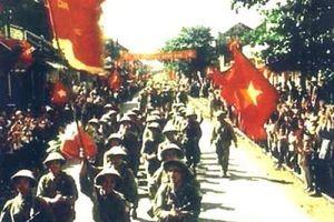 Nhân kỷ niệm 64 năm Ngày Giải phóng Thủ đô 10-10. : Hà Nội - 'Ngày trở về'