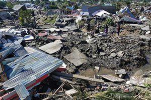 Nạn nhân động đất, sóng thần tiếp tục rời bỏ Palu, Indonesia