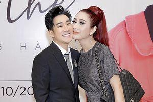 Vắng chồng, Lâm Khánh Chi thân mật bên Quang Hà