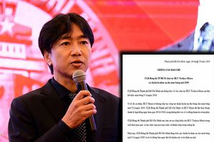 HLV Miura vui vẻ nhận tiền đền bù và giấy thanh lý hợp đồng