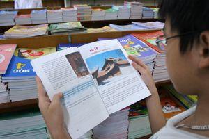 Học sinh được phép viết vào sách giáo khoa?
