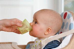 Nguy hiểm khôn lường khi cho trẻ sơ sinh uống nước