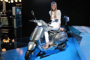 Vespa chạy điện đầu tiên mở bán, giá hơn 7.000 USD