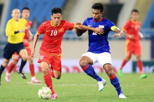 HLV Lê Thụy Hải: 'Đội tuyển Việt Nam vô địch AFF Cup rồi hãy khen ông Park'