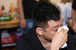 Đạo diễn Việt Tú: 'Có ở trong nghề mới hiểu được vì sao mạnh mẽ như Tuấn Hưng mà cũng phải nhập viện'