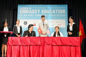 Thanh Bùi ra mắt hệ thống giáo dục quốc tế