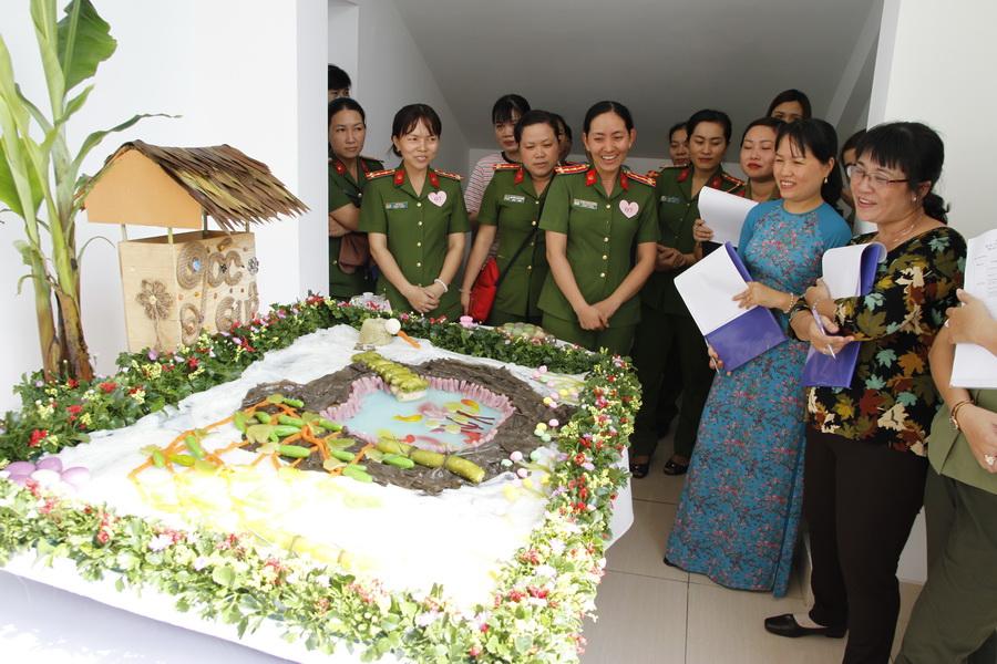 Công an TP Cần Thơ tổ chức hội thi 'Trưng bày bánh dân gian Nam bộ 2018'