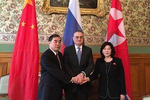 Nga - Trung - Triều kêu gọi xét lại trừng phạt