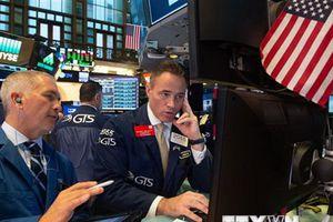Giới đầu tư bán tháo cổ phiếu khiến chứng khoán Âu-Mỹ giảm điểm