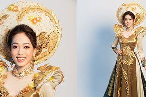 Ngắm trang phục dân tộc rực rỡ của Á hậu Phương Nga tại Hoa hậu Hòa bình Quốc tế 2018