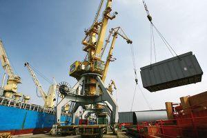 Cảnh báo tàu ngoại lạm thu khi tăng giá dịch vụ cảng biển