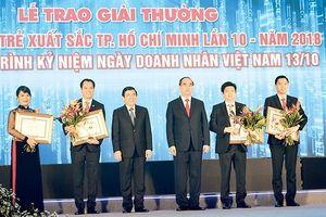 Nhân Ngày Doanh nhân Việt Nam 13-10: Hãy mạnh dạn đổi mới sáng tạo