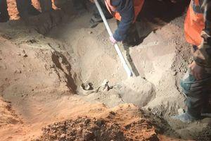 Phát hiện ngôi mộ tập thể lớn chưa từng thấy tại Syria