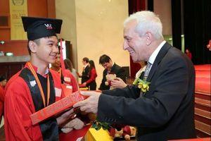 VUS mở chương trình vinh danh học viên xuất sắc, học bổng lên đến 20 triệu đồng