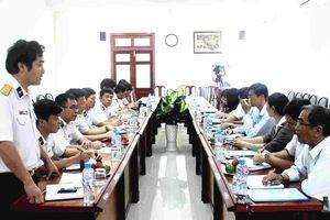 Phú Yên: Đẩy mạnh phối hợp tuyên truyền về âu tàu, làng chài Trường Sa