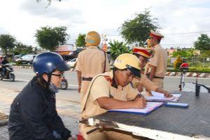 Gần 1.500 bằng lái ở các tỉnh bị tước ở Bến Tre