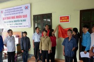 Hội Chữ thập đỏ TP. Cẩm Phả trao nhà nhân đạo cho người nghèo