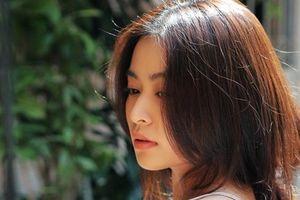 Hoàng Thùy Linh rạng rỡ trong bộ ảnh 'mộc' trẻ trung