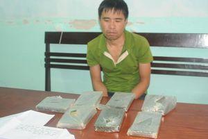 Kẻ buôn 7 bánh heroin 'làm khó' công an