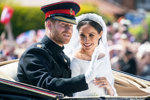 Điểm danh những ngôi sao may mắn làm dâu Hoàng gia