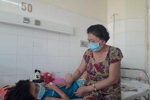 Đà Nẵng kêu gọi giúp đỡ 1 bệnh nhi đặc biệt
