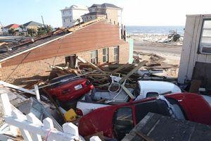 Hình ảnh siêu bão 'quái vật' Michael tàn phá nước Mỹ, ít nhất 6 người thiệt mạng