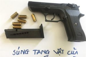 Tàng trữ ma túy còn 'lận' theo súng