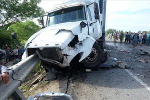 Tai nạn giao thông: Diễn biến phức tạp, còn tiêu cực khi xử lý vi phạm