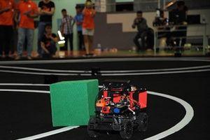 Cuộc thi lập trình xe tự lái tại VN mùa 3: Đề thi 'khó nhằn' như thế nào?