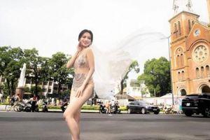 Sĩ Thanh nối gót Á hậu Thư Dung, 'bôi bẩn' Sài Gòn bằng ảnh phản cảm?