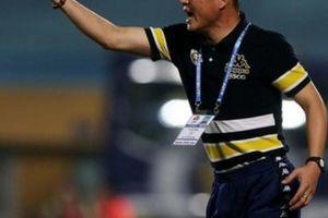 HLV Hà Nội FC chửi tục, thách thức đối thủ ngay trên sân?