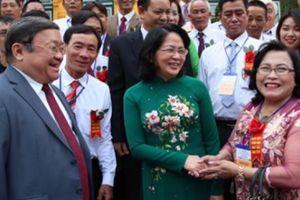 Quyền Chủ tịch nước Đặng Thị Ngọc Thịnh tiếp đoàn nông dân xuất sắc