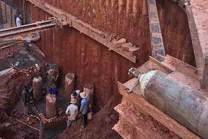 Công trình xây dựng không an toàn, gây sụt lún nguy hiểm các nhà kế cận