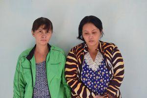 Mẹ chở theo con gái lớp 6 đi trộm cắp tài sản