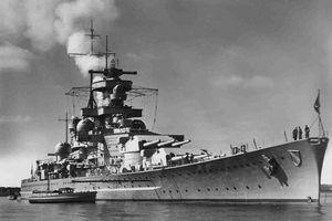 Cái kết kinh hoàng khi tàu sân bay đối đầu thiết giáp hạm