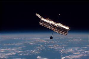 Kính viễn vọng không gian Hubble gặp trục trặc