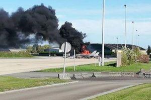 Tiêm kích triệu đô F-16 nổ tung, cháy rụi tại căn cứ không quân Bỉ