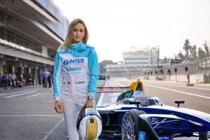 Mở đường cho phái yếu tham dự giải đua xe F1 khốc liệt