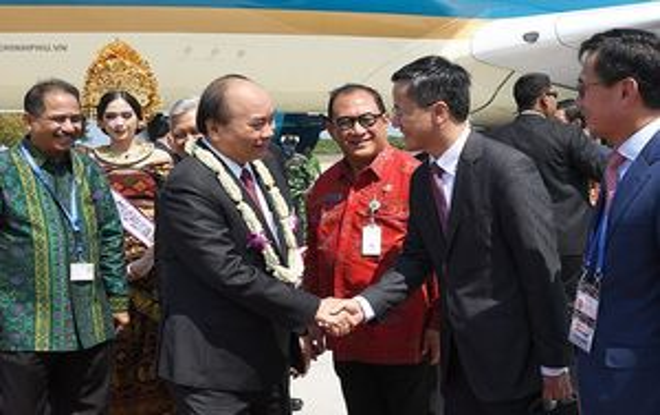 Thủ tướng Nguyễn Xuân Phúc gặp lãnh đạo ASEAN tại Indonesia