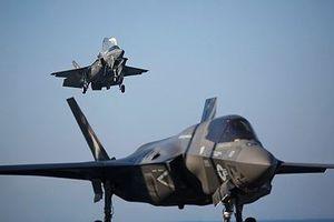 Xung trận lần đầu, tiêm kích F-35 đã bị đình chỉ bay