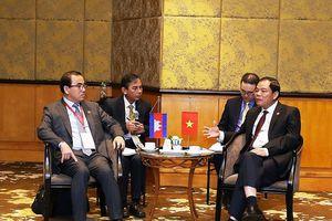 Việt Nam-Campuchia cùng kiểm soát nguồn gỗ bất hợp pháp