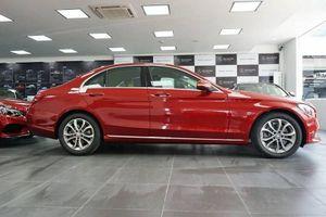 C200 - Xe sedan bán chạy nhất của Mercedes-Benz có đáng mua?