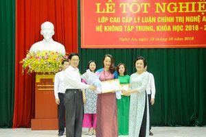 92 học viên Nghệ An tốt nghiệp cao cấp lý luận chính trị