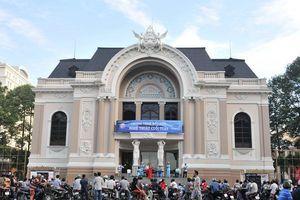 Xây nhà hát 1.500 tỷ đồng: Trước hết phải làm cho dân tin