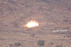 Liên quân Ả rập Xê-út tấn công tỉnh Hajjah, Yemen - Houthi phá hủy xe cơ giới địch